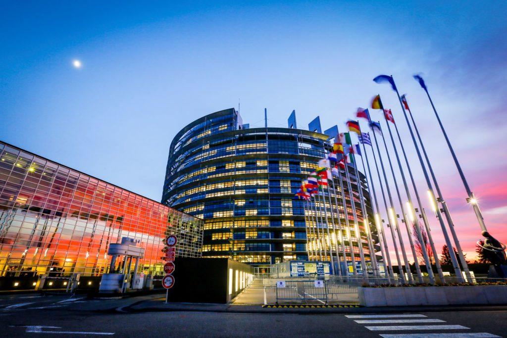 Questa immagine ha l'attributo alt vuoto; il nome del file è Parlement-europeen-a-strasbourg1-1024x683.jpg